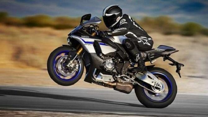 Какие правила чаще всего нарушают мотоциклисты, и что грозит им за езду на одном колесе