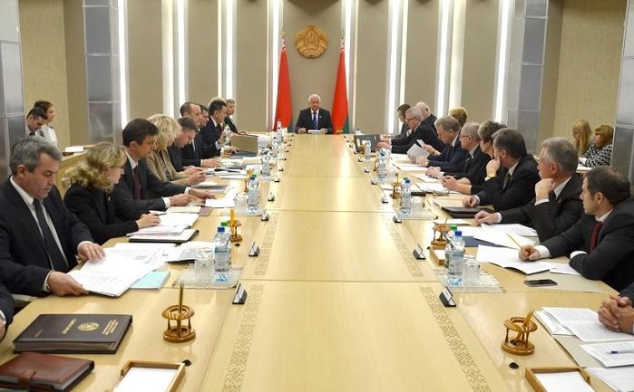 Михаил Мясникович провел расширенное заседание Президиума Совета Республики
