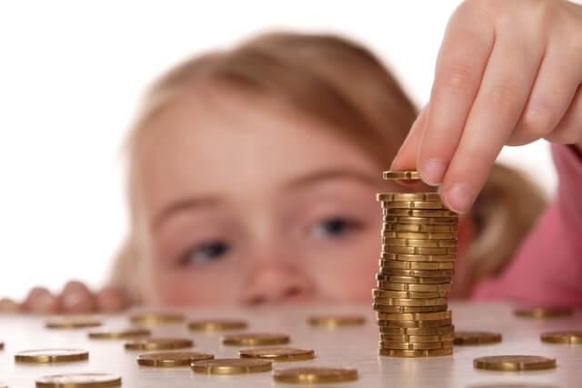 В Беларуси с 1 августа вырастут пособия на детей до трех лет